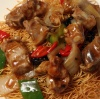 Spareribs & Green Pepper with Black Bean Sauce on Crispy Noodle